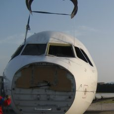 Airplane lifespan, maintenance, disassembly and dismantle.